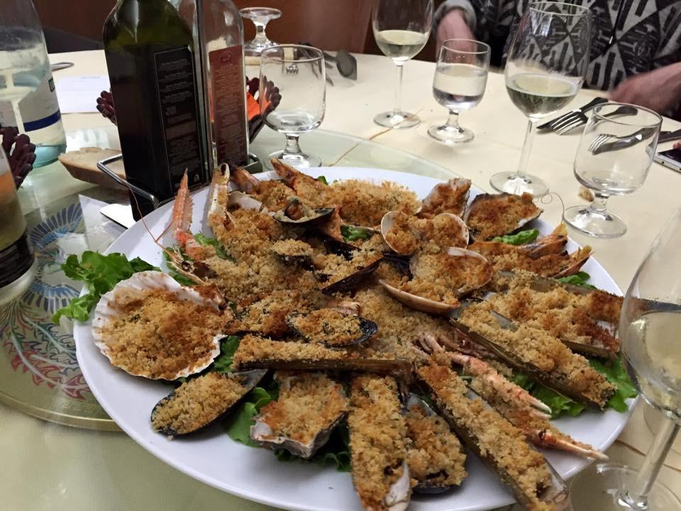 """Il pesce, anche tutto gratinato, """"AL PORTICO"""" di Milano"""